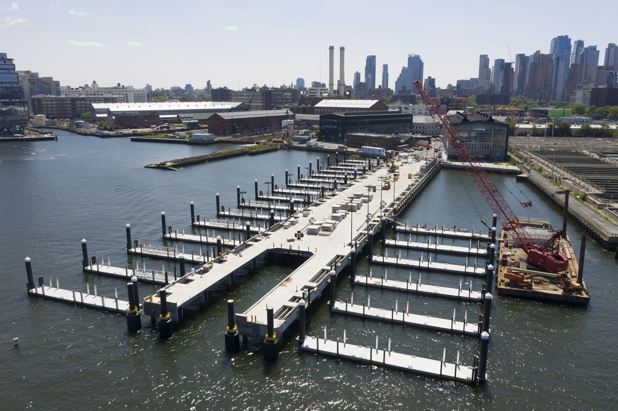 Brooklyn Navy Yard Ferry Pier Construction. Photo by NYCEDC.