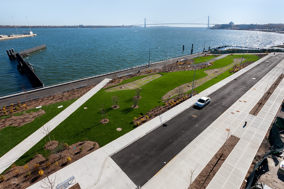 New Stapleton Waterfront. Photo by John Bartelstone/NYCEDC.