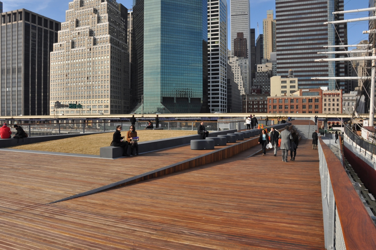 East River Esplanade. Photo by NYCEDC.