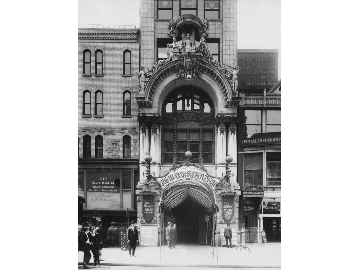 Historical photo of the exterior of the New Amsterdam Theatre. Image: New York Historical Society.