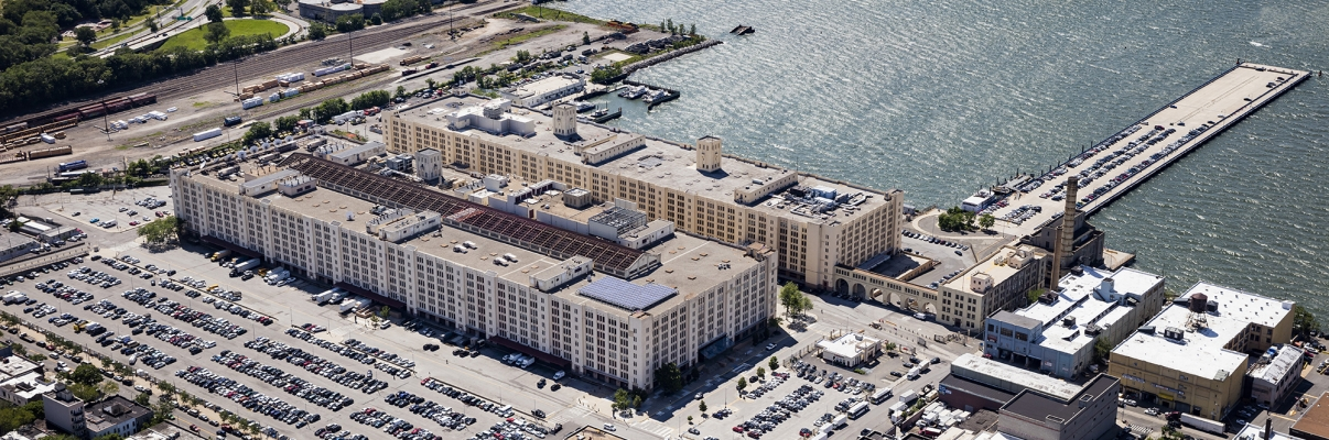 Brooklyn Army Terminal. Photo by Albert Vecerka/NYCEDC.
